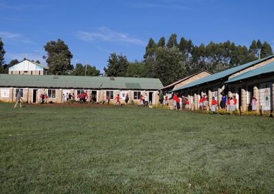 children outside the OLOG classrooms